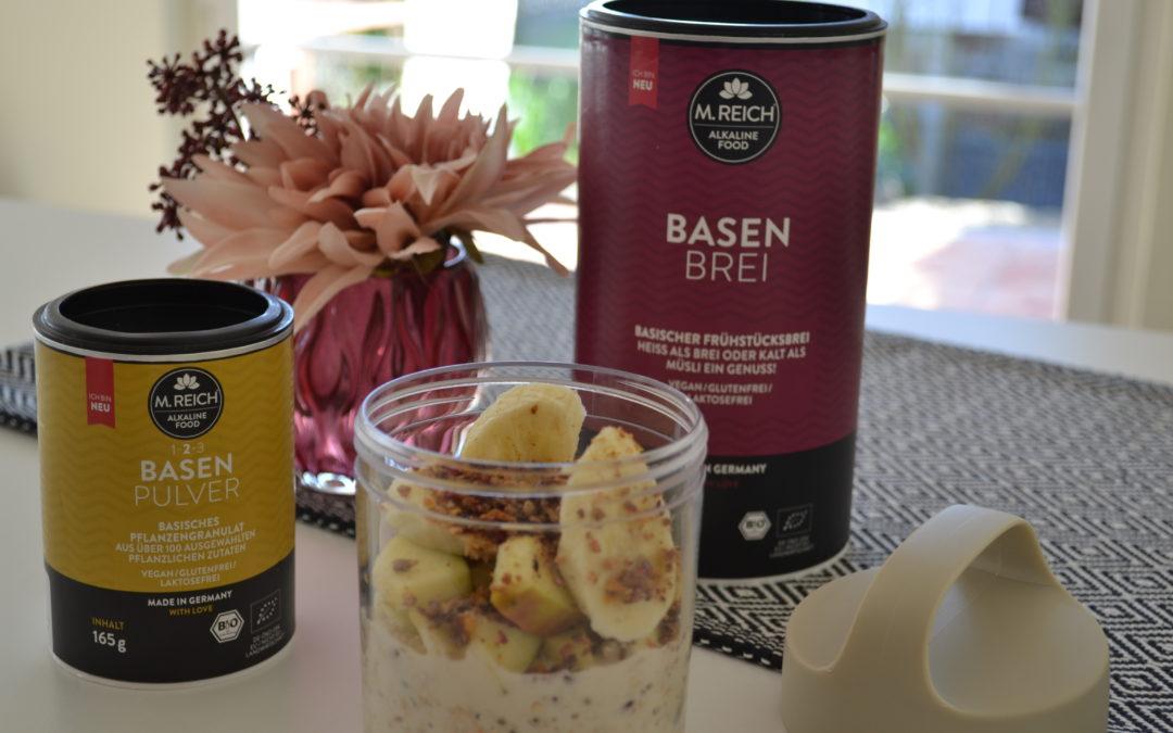 Gesundes Frühstück mit Basenbrei